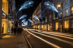 Luzes de Natal na rua bond nova, Londres, Reino Unido Imagens de Stock Royalty Free