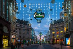 Luzes de Natal na rua de Oxford, Londres, Reino Unido Imagens de Stock Royalty Free