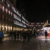 Luzes de Natal no prefeito da plaza da cidade do Madri no imagem de stock royalty free