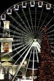 Luzes de Natal no quadrado velho fotografia de stock