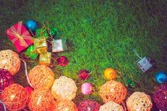 Luzes de Natal retros bonitas da cor para o fundo Fotos de Stock Royalty Free