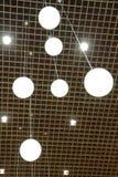 Luzes de teto suspendidas do globo Imagens de Stock