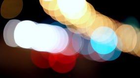 Luzes Defocused do carro e de rua filme