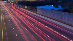 Luzes do carro na noite Imagens de Stock