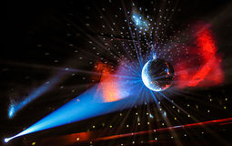 Luzes do partido em um Discoball Fotografia de Stock Royalty Free
