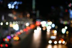Luzes e bokeh borrados bonitos na vida noturna imagem de stock
