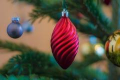 Luzes e decoração da árvore de Natal Imagens de Stock Royalty Free
