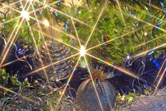 Luzes e esferas da árvore de Natal Fotos de Stock Royalty Free