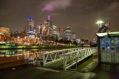 Luzes e reflexões da cidade de Southbank Melbourne imagem de stock royalty free