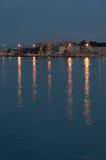 Luzes pelo porto Fotografia de Stock Royalty Free