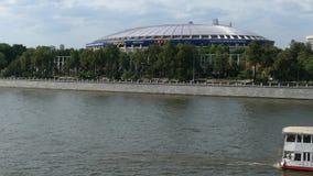 Luzhniki del estadio y río de Moscú metrajes
