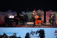 LVIL, UCRÂNIA - 4 de junho: Trio de Ron Carter foto de stock