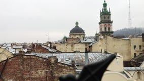 Lviv, Ουκρανία Οι στέγες της παλαιάς πόλης το χειμώνα απόθεμα βίντεο