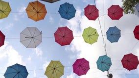 Lviv και μια οδός με τις ομπρέλες απόθεμα βίντεο
