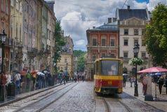 Lviv - 4 de junho de 2013: Lviv - o centro histórico de Ucrânia fotos de stock royalty free