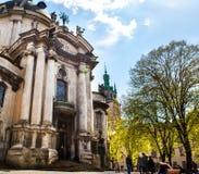 LVIV, de OEKRAÏNE - de Dominicaanse kerk en het klooster in Lviv, de Oekraïne worden gevestigd in de stads` s Oude Stad, dient va Stock Foto's