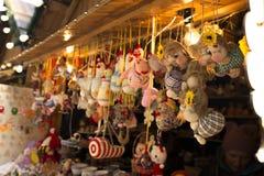 Lviv, de Oekraïne - Januari 1, 2017: Nieuwjaarmarkt in centrumsqu Stock Afbeeldingen