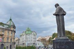 Lviv, de Oekraïne, 16 September, 2013 Taras Shevchenko-monument op Liberty Avenue Royalty-vrije Stock Foto