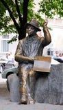 LVIV, UCRÂNIA - 18 DE JUNHO DE 2015: Monumento do pintor ingênuo Nikifor Imagem de Stock Royalty Free