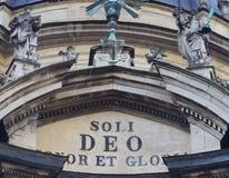 LVIV, UCRÂNIA - 14 DE NOVEMBRO DE 2015: A fachada principal da igreja e do monastério dominiquenses Foto de Stock Royalty Free