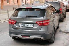 Lviv, Ucrânia - em agosto de 37, 2018: Carro novo Lada Vesta foto de stock royalty free
