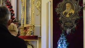 LVIV, UCRÂNIA: Escritório da igreja em St George Cathedral video estoque