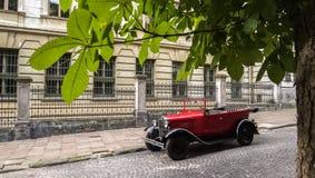 Lviv, Ucrania - 27 de junio de 2017: Años soviéticos del coche 30 xx GAZ-A Imagenes de archivo