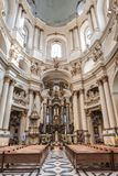 Lviv, UCRANIA, el 27 de febrero de 2017: interior de la catedral católica Foto de archivo