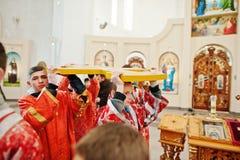 LVIV UKRAINA - APRIL 27, 2016: Passion för helig vecka och död av J arkivbild