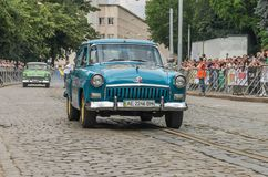 LVIV UKRAINA, CZERWIEC, - 2018: Radzieckiego starego rocznika retro samochód GAZ Volga 21 jedzie przez ulic miasto Obraz Royalty Free