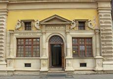LVIV UKRAINA - 04 11 Ingång 2018 som postar museet i Lviv royaltyfri foto