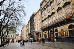 Lviv Ukraina - Januari 24, 2015: Lviv cityscape Sikt av en central fyrkant av den Lviv marknadsfyrkanten Fotografering för Bildbyråer