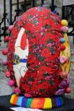 LVIV UKRAINA, Kwiecień, - 04: Duzi sfałszowani Wielkanocni jajka przy festiwalem o Zdjęcie Royalty Free