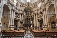 Lviv, UKRAINA, Luty 27, 2017: wnętrze Katolicka katedra Obrazy Stock