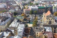 LVIV UKRAINA, PAŹDZIERNIK, - 02, 2016: Lviv miasto od above centrala Fotografia Stock