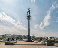 LVIV UKRAINA - SEPTEMBER 11, 2016: Lviv stad och Lychakiv kyrkogård Sightställe monument Polsk Orlat kyrkogård Arkivfoton