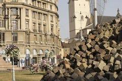 Lviv, Ukraine, le 26 septembre 2015 : Remplacement du pavage Photos stock