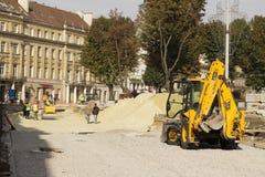 Lviv, Ukraine, le 26 septembre 2015 : Remplacement du pavage Photo stock