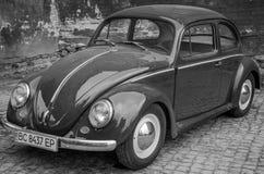 LVIV, UKRAINE - MAI 2017 : Voiture rouge de vieux vintage rétro Images stock