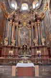 Lviv, Ukraine, septembre, 16, 2013 L'intérieur de l'église de jésuite à Lviv photo stock