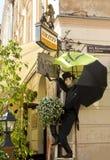 Lvov, Skulptur auf Gebäude Lizenzfreie Stockfotos