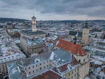 LVOV, UKRAINA - 25, Grudzień 2018 Panorama antyczny miasto fotografia royalty free