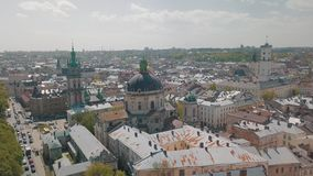 Lvov, Ukraine Ville a?rienne Lviv, Ukraine Panorama de la vieille ville dominicain clips vidéos