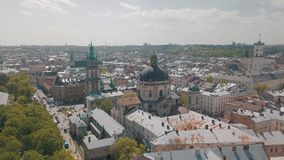 Lvov, Ukraine Ville a?rienne Lviv, Ukraine Panorama de la vieille ville dominicain banque de vidéos