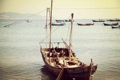 Lvshun, Далянь, море Китая, рыбацкая лодка Стоковая Фотография