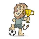 Lwa futbolista trzyma filiżankę najpierw umieszcza Obraz Royalty Free