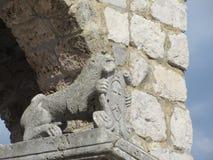 Lwa i osłony statua Zdjęcie Stock