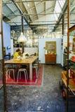 LxFactory, σύγχρονα αγορές και ένα κέντρο πολιτισμού στη Λισσαβώνα Στοκ Εικόνες