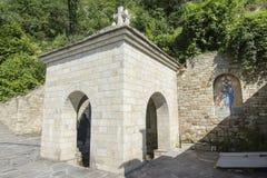 Lyadova,乌克兰,09-08-2018:Lyadova修道院的水源,位于乌克兰的文尼察州地区 免版税库存照片