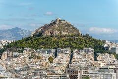 Lycabettus小山在雅典,希腊-旅行背景 库存图片